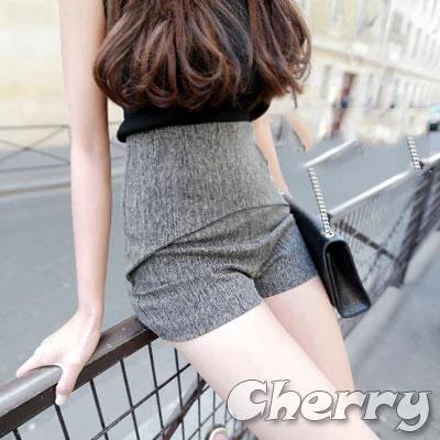 超顯瘦包臀灰色休閒短褲