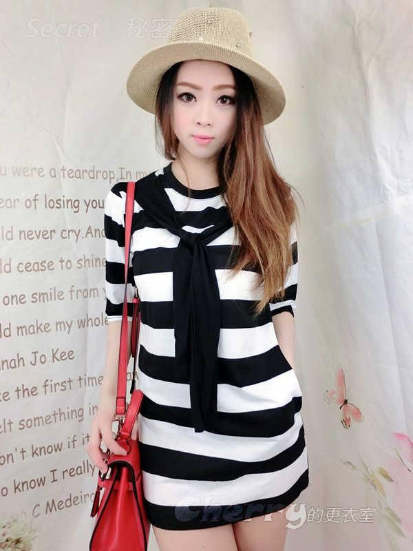 韓版學院風領帶寬條紋五分袖連衣裙