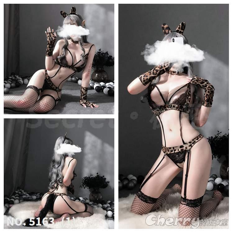 調教女王角色扮演內衣外拍豹紋夜店性感直播派對誘惑絲襪儀式感酒店情趣情人炎上玩具開襠比基尼連身網襪