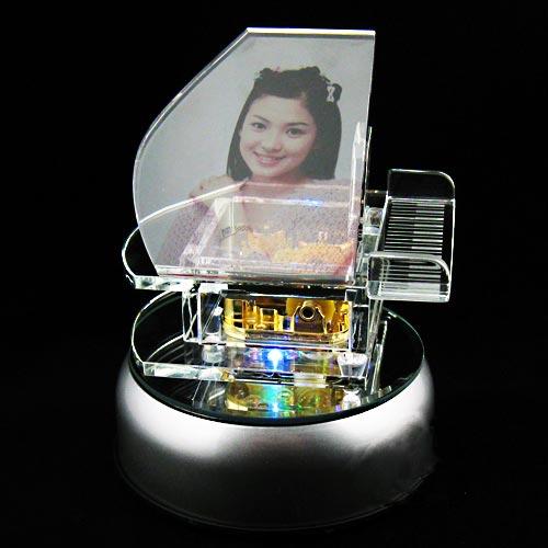 小號鋼琴水晶八音樂盒 120mm七彩旋轉發光燈底座 個性化創意禮品商品可刻字印照片及選歌 情人節生日訂結婚聖誕禮物