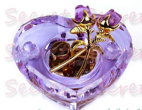 日本SANKYO水晶玫瑰心型音樂發條式機芯八音盒 生日結婚情人節禮物