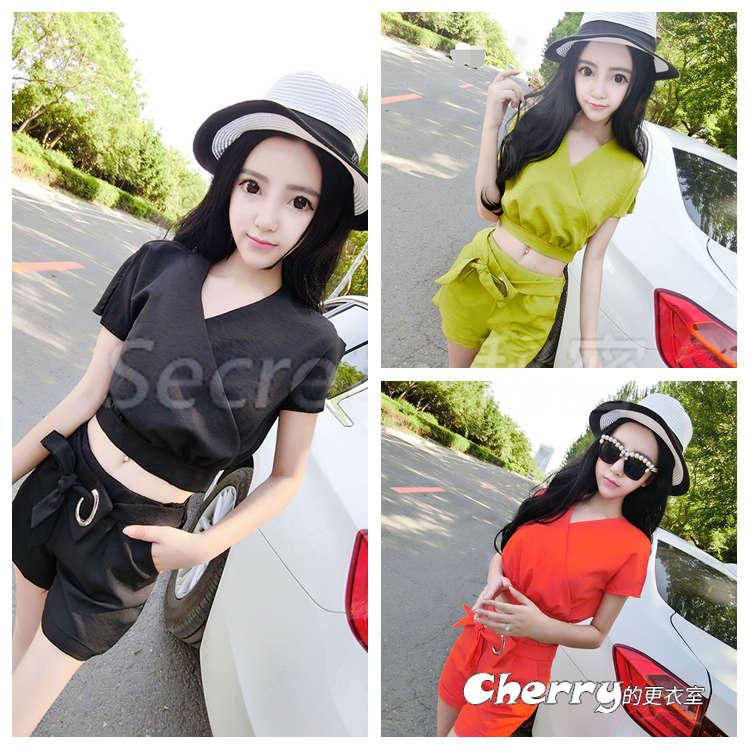 韓版V領燕子袖短款上衣+後拉鍊腰帶短褲時尚兩件套裝