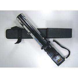 台灣製造 80 萬伏特 耐打鋼片長棍棒型防身防暴防衛電擊棒